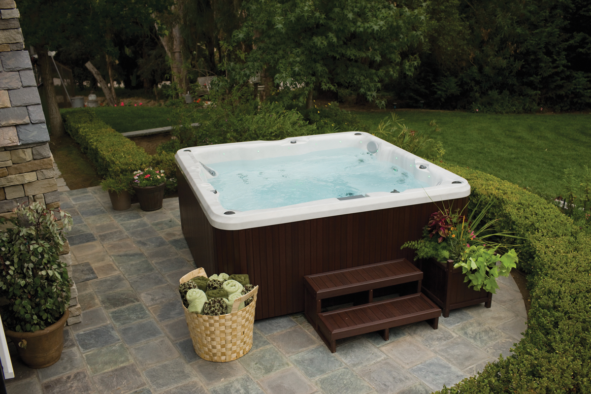 self cleaning hot tubs garry 39 s hot tub gallery of jacuzzi exterieur 6 places. Black Bedroom Furniture Sets. Home Design Ideas