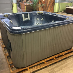 Hot Tubs - Pre-Owned